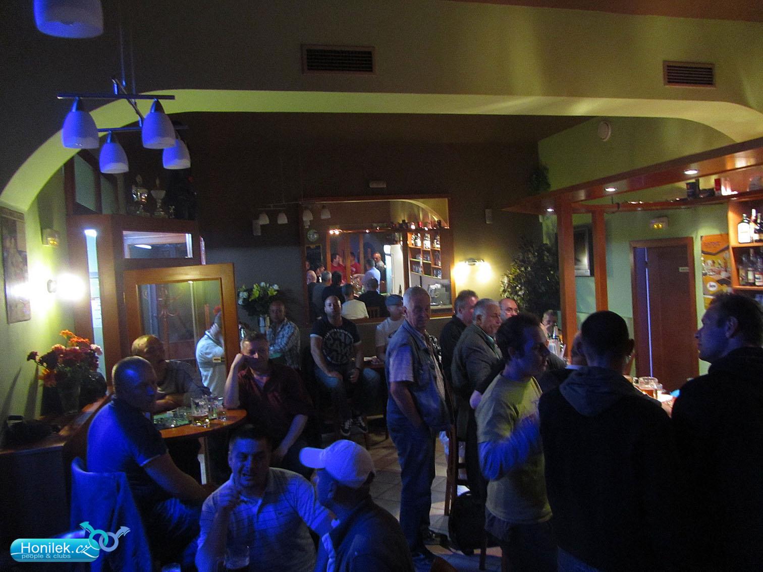Портала-теремка гей клубы праги